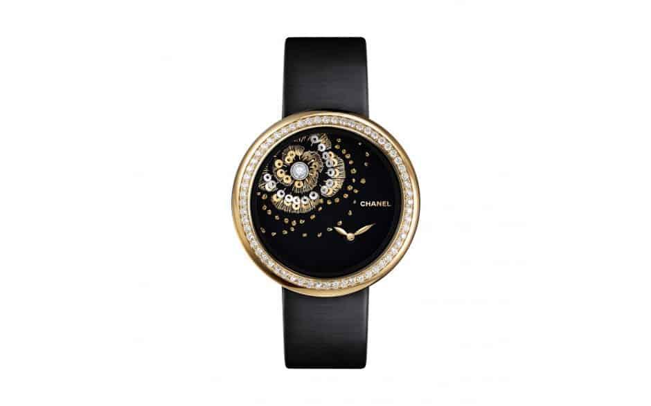 8c376ac707166 هذه المجموعة أيضًا تنتمي إلى المجموعة السابقة من حيث المسمى، وهذه الساعات  الخالدة مستوحاة مباشرة من مجموعة مجوهرات الماس الأولى التي أطلقتها  «Mademoiselle ...