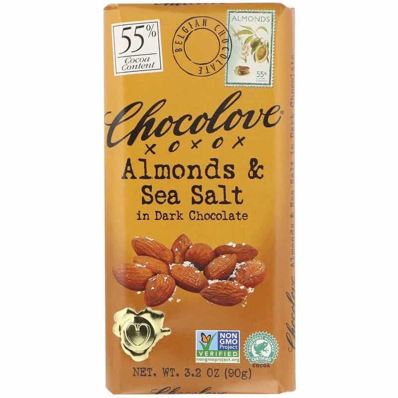 الشوكولاتة الداكنة مع اللوز وملح البحر من Chocolove