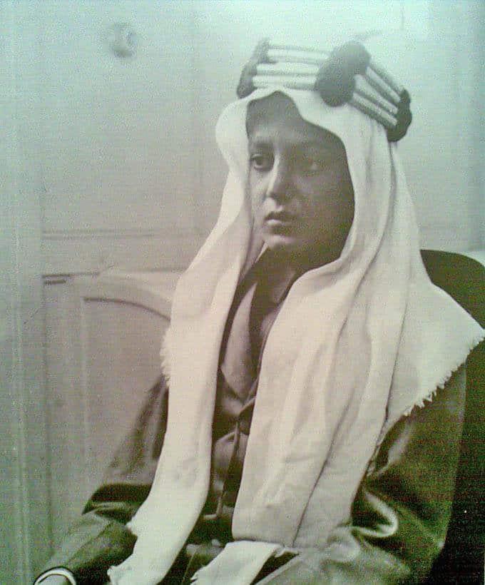 صورة ولد الملك عبد العزيز و هو صغير