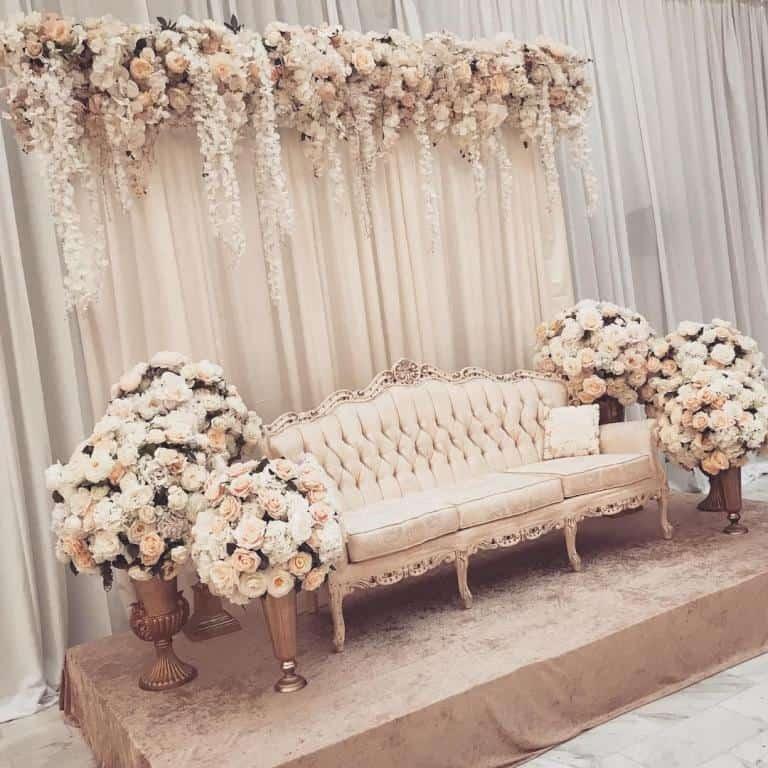 كوشة عروسة ناعمة