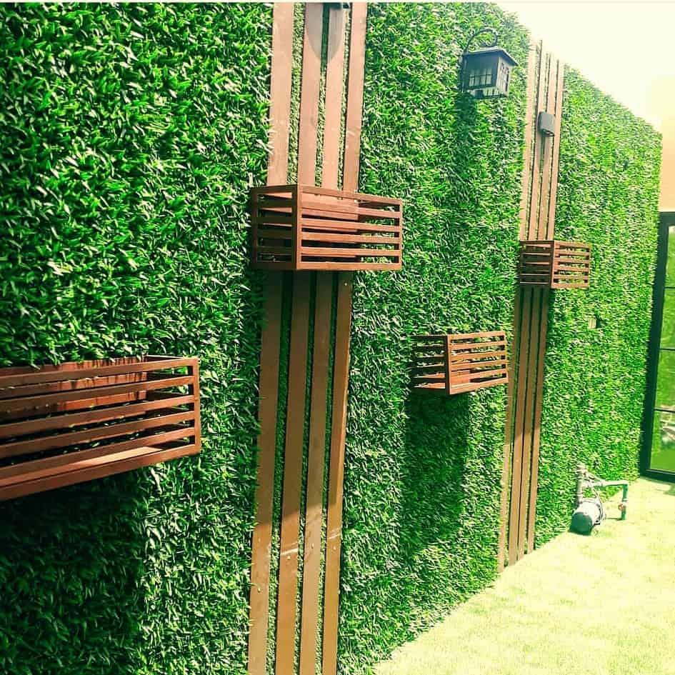 عشب صناعي للجدران